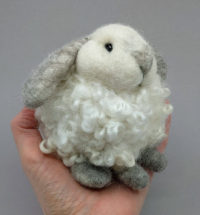 Bunny_Lop_Puff_hand