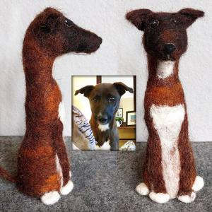 Maggie the dog figure