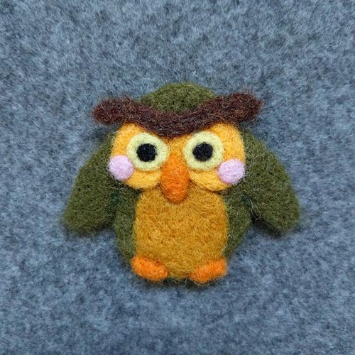 Needle Felt Owl pin