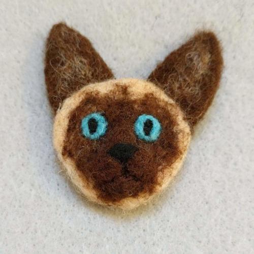 Siamese Cat pin